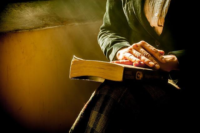 book-1421097_640.jpg