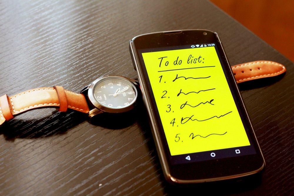 smartphone-570507_1920.jpg