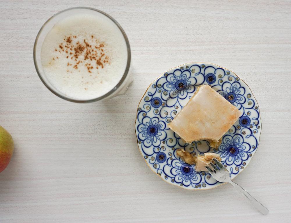 gedeckter Apfelkuchen mit Zuckerguss (Vegan, Glutenfrei).jpg