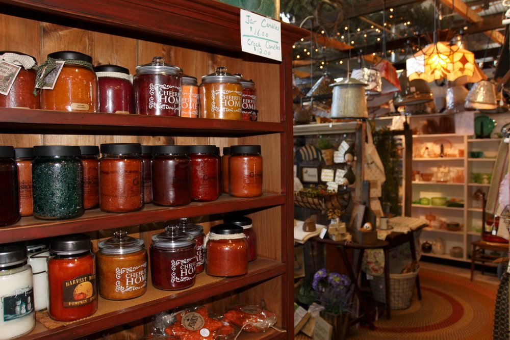 Sweet Annie's is a hybrid between a gift shop and home decor store. It's the ultimate stop for those looking to give their house a more country feel. Find everything from candles to flags, wreaths, rugs and more!