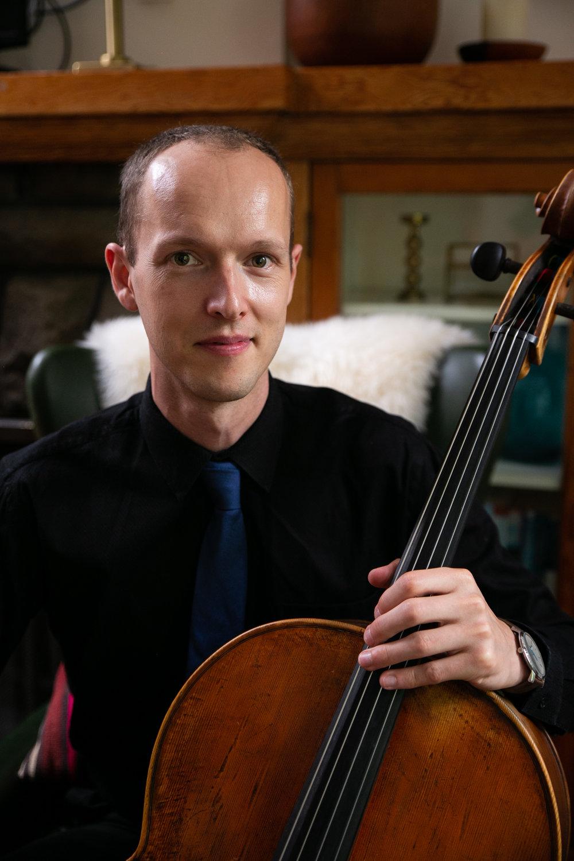 Avery Waite, cello