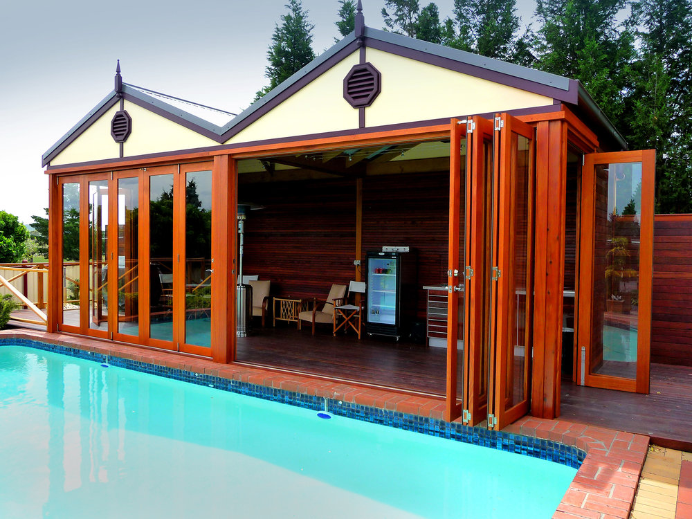 Tomma-Folding-Door-Systems-Pool.jpg