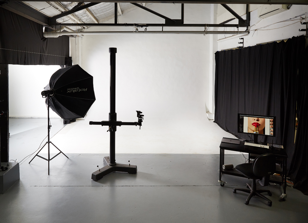 Photography studio hire - Studio 2 Cyc