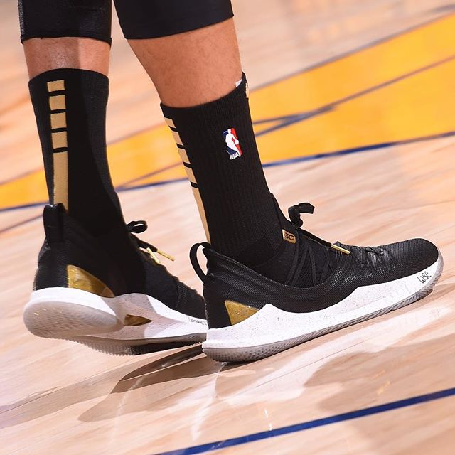 Curry 5 'Takeover' for Game 2