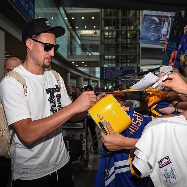 Klay signing toasters in China