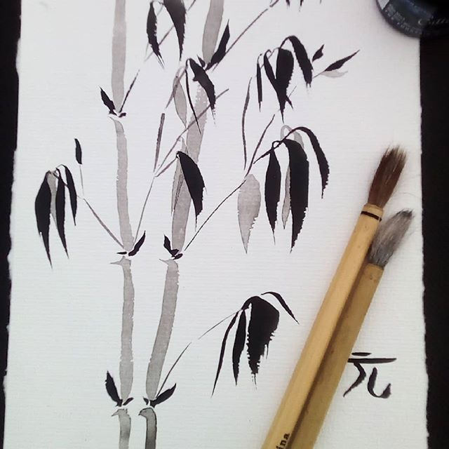 Sumi e practice... The classical bamboo. The stems are not quite right yet, and I don't feel as loose and sure about each stroke as I would like to, but... It's a practice:-) very different way of painting to what I'm used to:-) . . . . . . . . . . . . . . ... #sumi #sumie #chinesebrushpainting #bamboo #meditativeart #slowart #takeyourtime #inkart #chineseink #newart #chineseinkart #trysomethingnew #trysomethingnewtoday #asianart