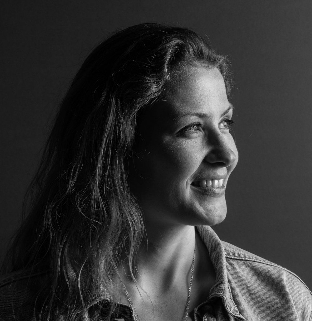 LEONIE LORENZ   PROJECT MANAGER