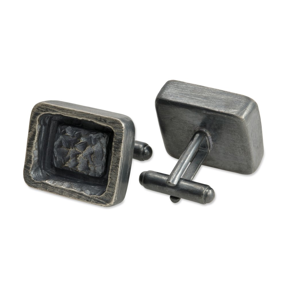 <h3>crested square cufflinks</h3>