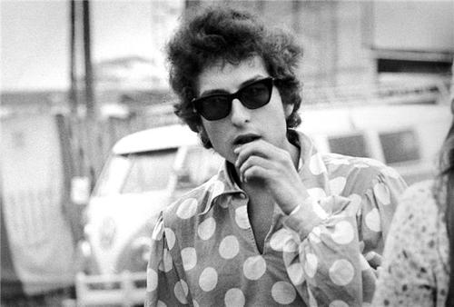 Bob+Dylan+All+I+can+do+is+be+me+whoever