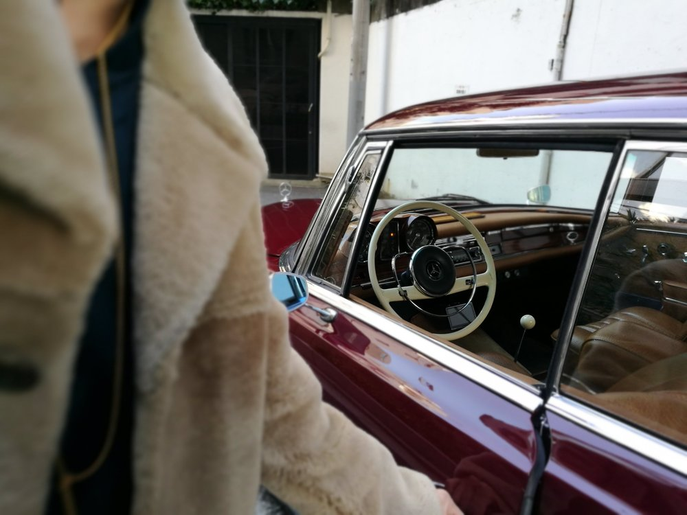 1964s Old Mercedes-Benz 220SE Coupe W111