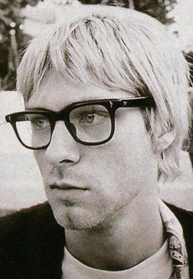 kurt-cobain-singer-celebrity-musicians-glasses