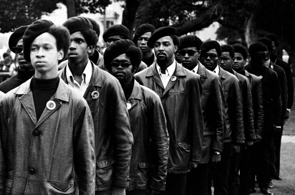 600Panthers-on-parade-at-Free-Huey-rally-in-Defermery-Park-named-by-the-Panthers-Bobby-Hutton-Park-in-West-Oakland.-Photograph-©-Stephen-Shames-1024x680