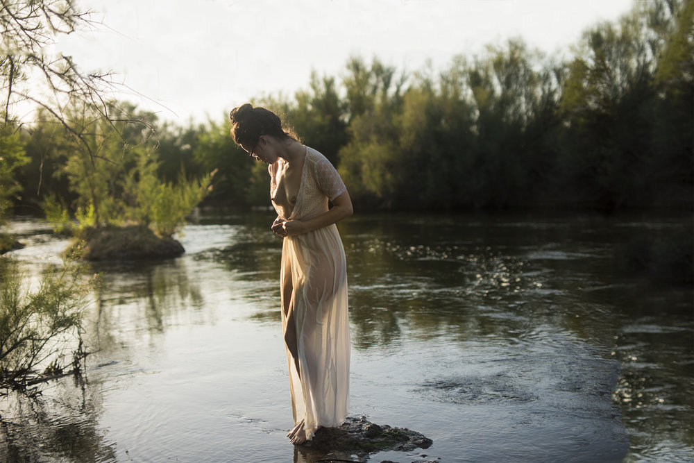 phoenix_boudoir_photographer_outdoor_in_the_salt_river_299.JPG