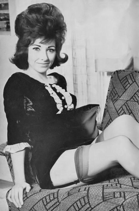 Lois Davis - 4.jpeg