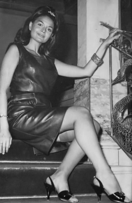 Eva Bartok - 3.jpeg