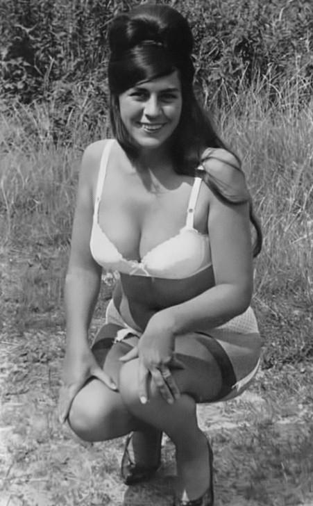 Angela Bond - 4.jpeg