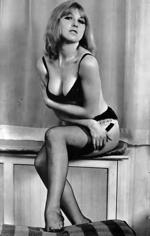 Nina Barrett-1.jpeg