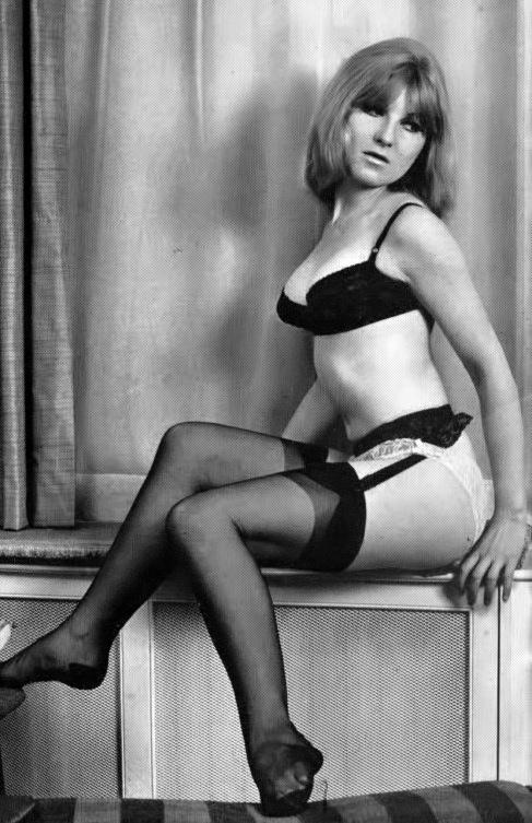 Nina Barrett-5.jpeg