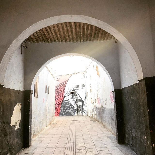 In life, you never know who you'll meet when you turn a corner. Keep your eyes open. Embrace uncertainty and move into the unknown #rabatriad #movememorocco
