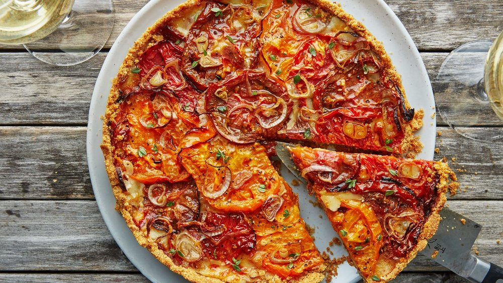 Tomato and Roasted Garlic Pie