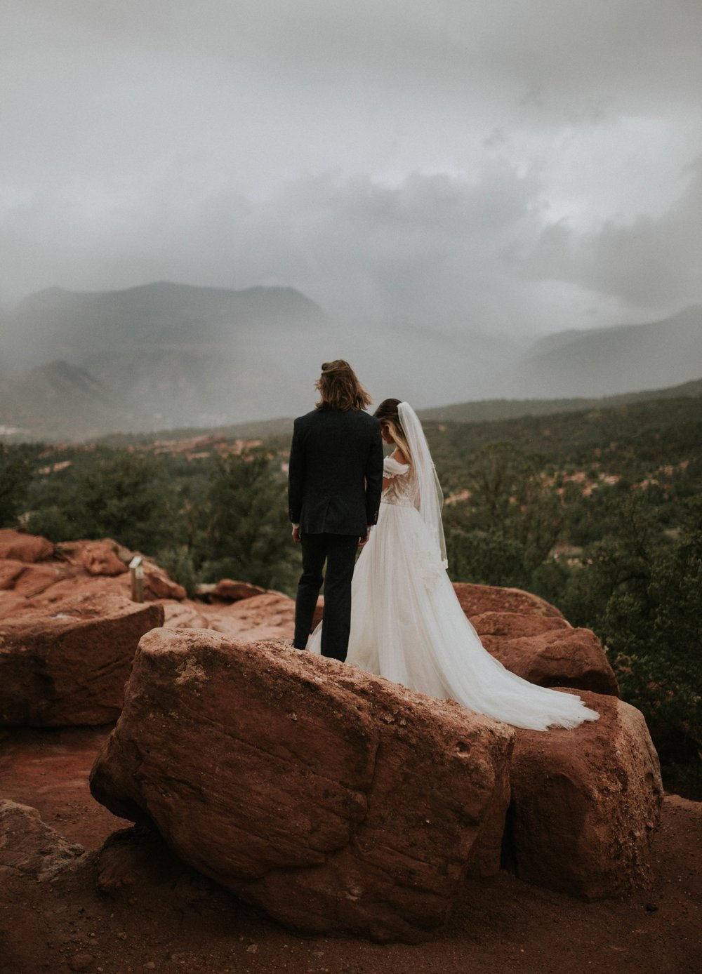 garden of the gods elopement (1 of 29).jpg