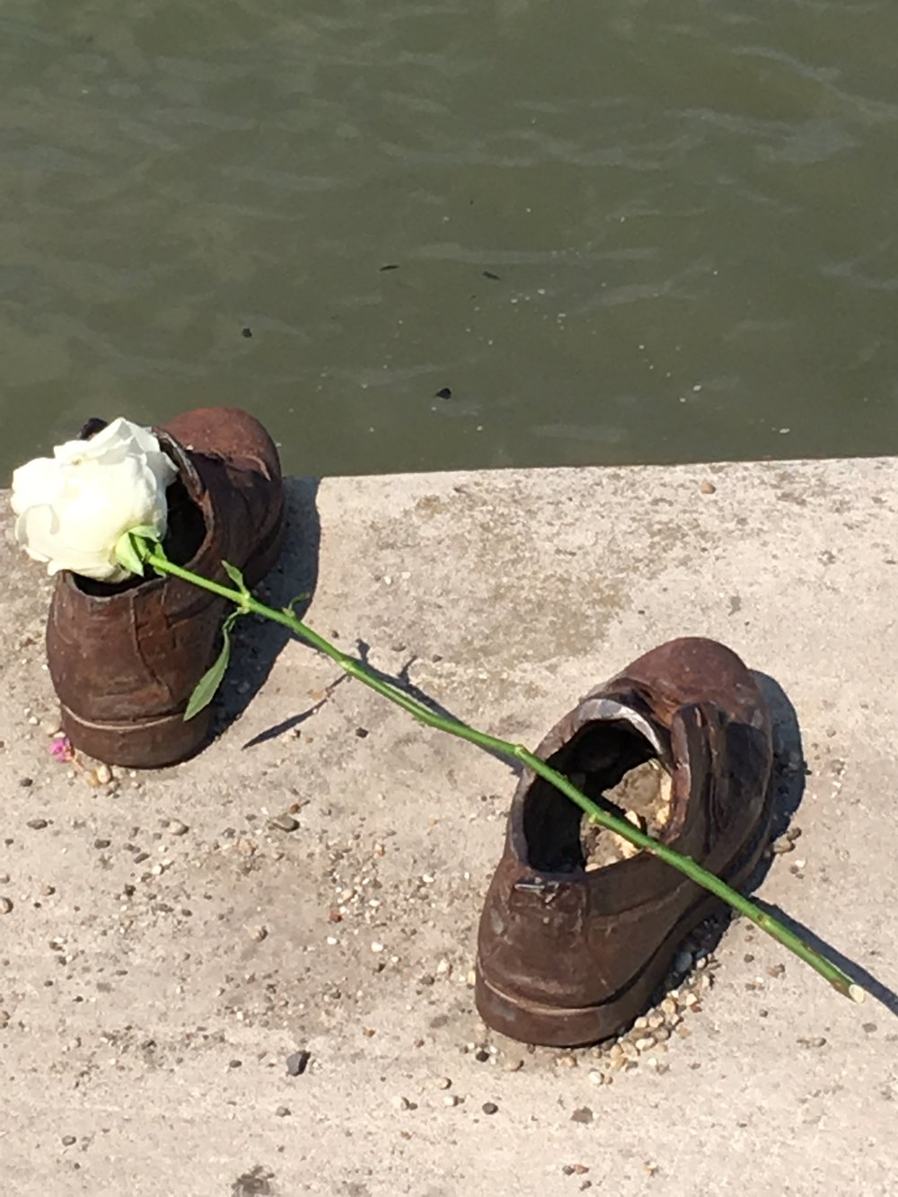 Shoe Memorial, Danube River