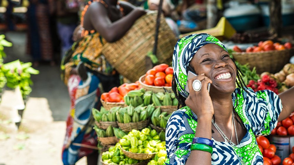 Benin-Lady-Mobile.jpg