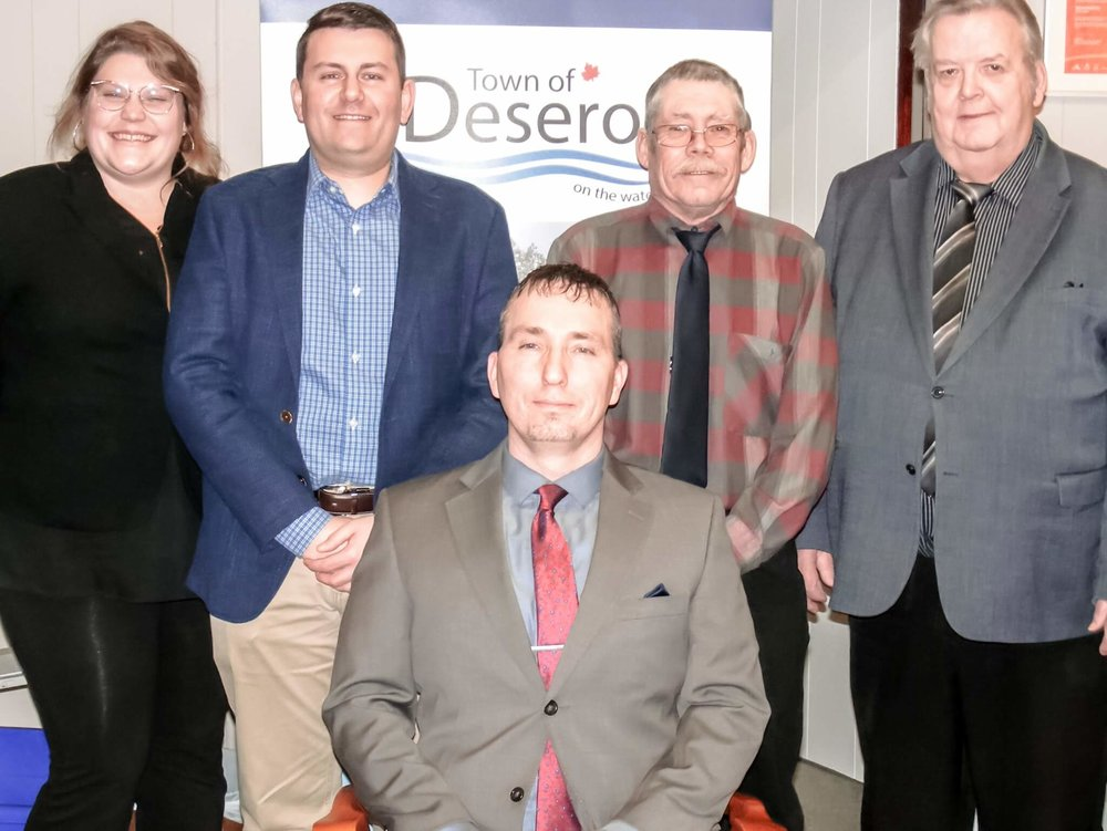 Front Row:  Mayor Dan Johnston.  Back Row:  Left – Right: Councillor Amber Dale Hudson, Deputy Mayor Steven Everhardus, Councillor Kevin Smith, Councillor Norman Clark