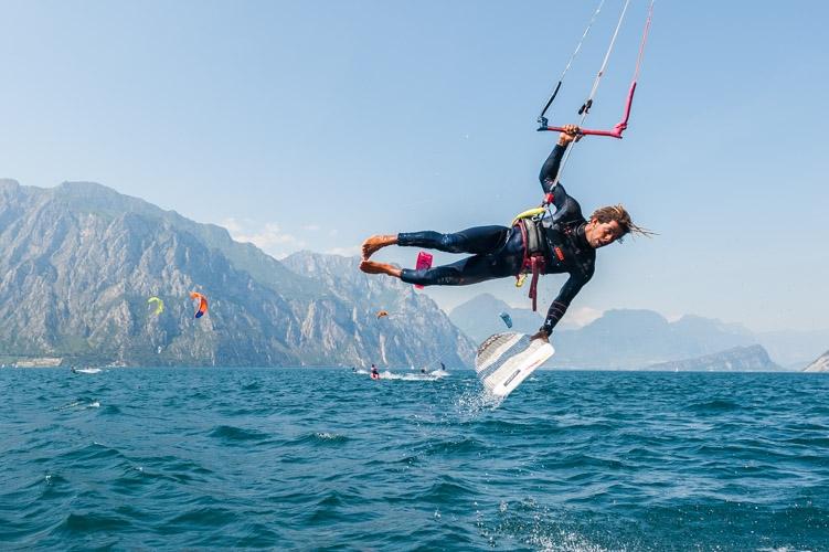 f10-10-aitron-cozzolino-lago-garda-northkiteboarding-360gardalife.jpg