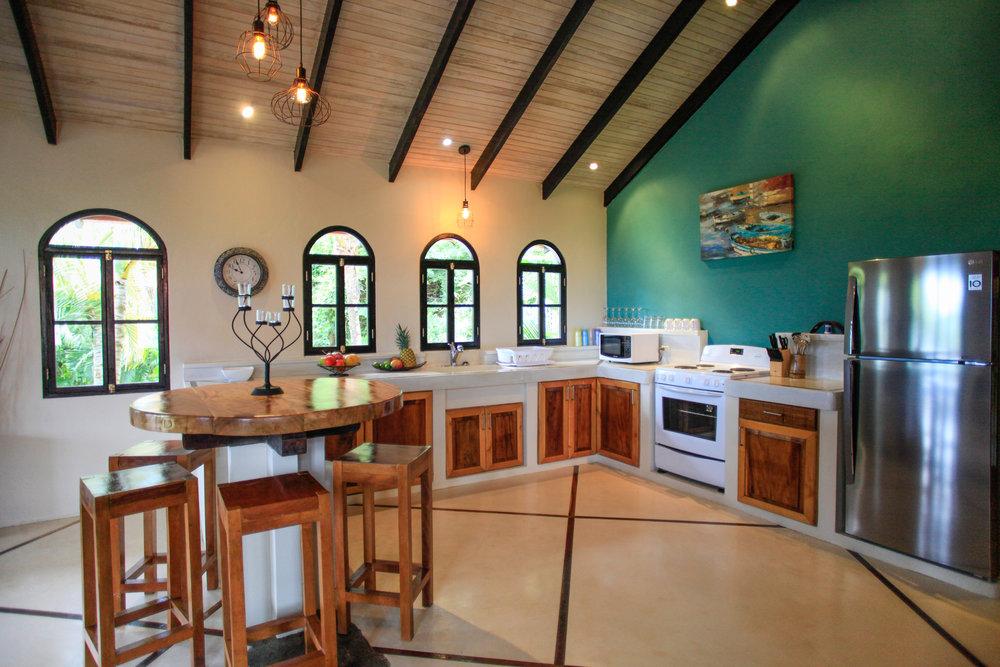 Condo 8 Kitchen (8).JPG