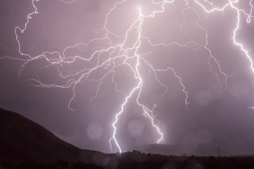lightning-sky-storm-53459.jpg
