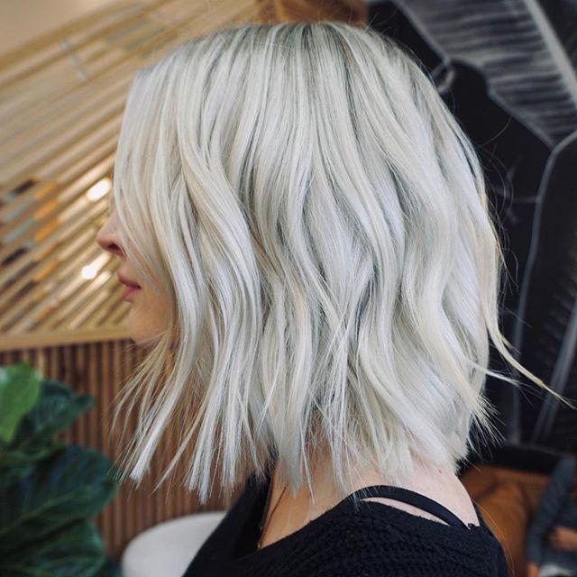 the coolest of cools heavy highlight ❄️ by @ceeen || ————- #collectwildflowers #modernsalon #americansalon #hairgoals #iceyblonde #platinumblonde #texturedbob #unitehair #randco #hairbrained