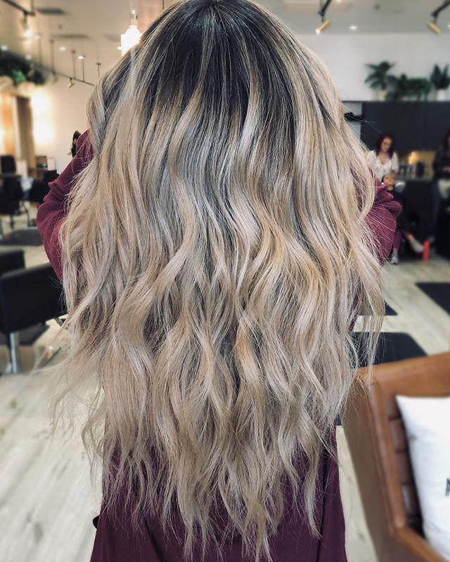WOW😍 gorgeous balayage by @kyytang ————- #lasvegashairsalons #lasvegashairstylist #wellahair #lasvegashair #hairgoals #babylightsandbalayage #balayage #balayagehighlights #modernsalon #americansalon #hairbrained #shearcraft #longhair #blondehair #ashblonde