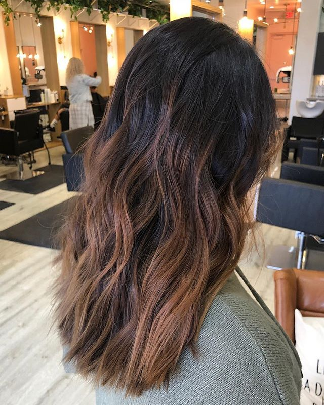 chocolate sun kissed hair by @marissashafer.hair —————- #licensedtocreate #modernsalon #lasvegashairstylist #hairideas #brunettebalayage #unitehair #randco #wellahair #sunkissedhair #hairpainting