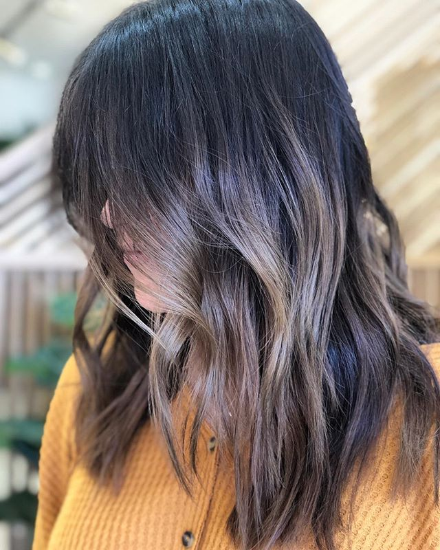 cool dimensional brown by @ceeen 🌱 —————- #lasvegashairstylist #collectwildflowers #lasvegashairsalon #hairstyles #brunettebalayage #coolbalayage #behindthechair #modernsalon #hairlasvegas #vegassalon #salonlasvegas #licensedtocreate #wellacolor