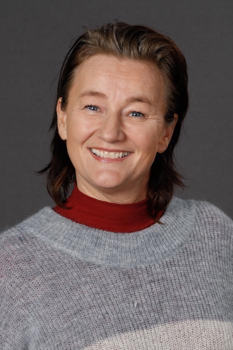 styremedlem: siv-helen holseth   Siw-Helen er ansvarlig for interne arrangementer, som juleshow og sommershow   send mail til siv-helen