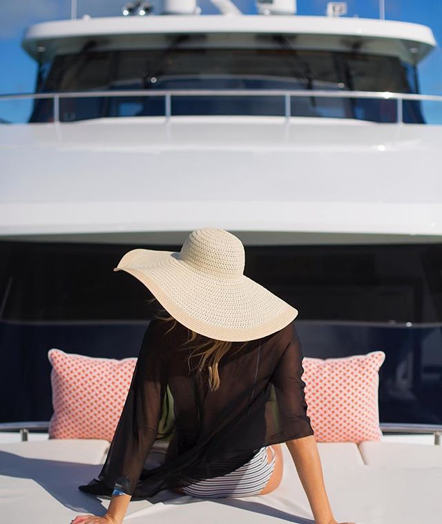 Sound by @interioraudio #yacht by @oceanalexander  sunshine ☀️ is complimentary #weekend #relaxation #lounging