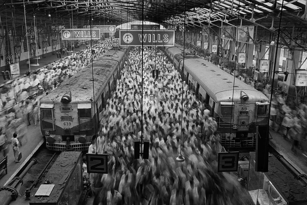 Sebastião Salgado, Churchgate Train Station, Bombay, India