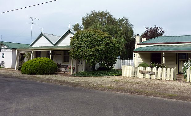 Pickers, Bank & Skinners Cottages.jpg
