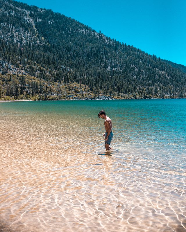 Always in search of the clearest bluest water in the world and who knew you'd find it right here. Still dreamin of that blue 💦💙 @renotahoe #renotahoe #ad