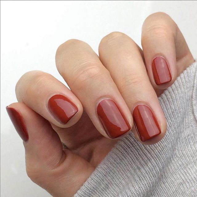 Nail inspo for the coming week. Classic dark red tones are our favourite. 💕 #nailsofinstagram