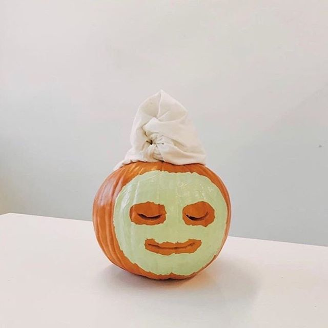 Us as a happy Tuesday pumpkin 😌🧖🏼‍♀️ #facialsforlife