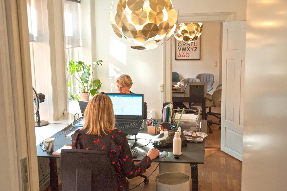office1_hdr.jpg