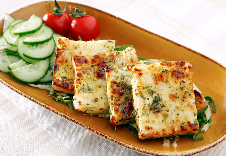 Grilled-Halloumi-Cheese_115-770x534.jpg