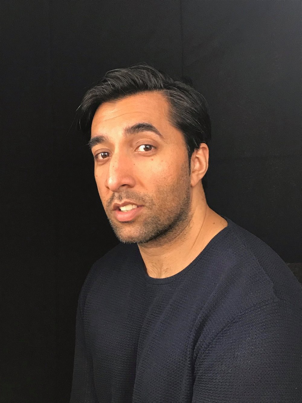 Harjeet is an observational comic with a relaxed and engaging stage manner. Now breaking into the professional circuit he has been delivering his surreal take on everyday life to audiences around the home counties and london for the last year