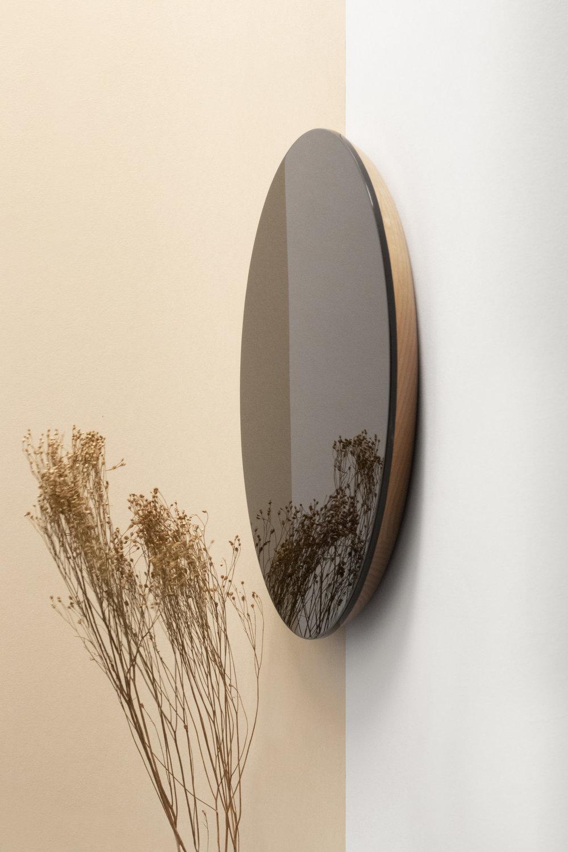 Atelier Takumi - Shikkoku mirrors _ Crafted by Kunimoto Lacquerware designed by VoisinGuillemin 2.jpg