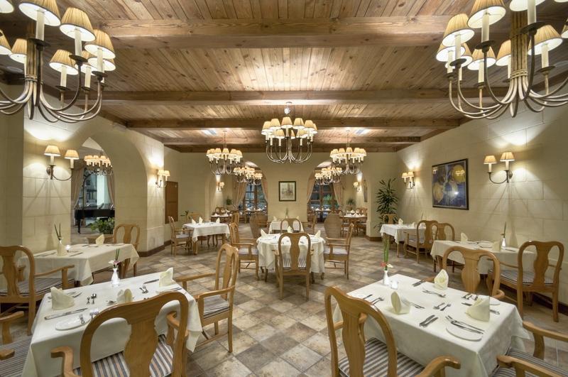 restaurant-at-kempinski-hotel-san-lawrenz.jpg