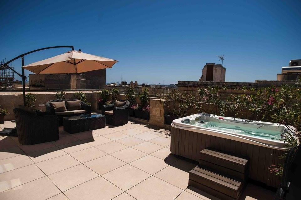 Suite-Terrace-1.jpg