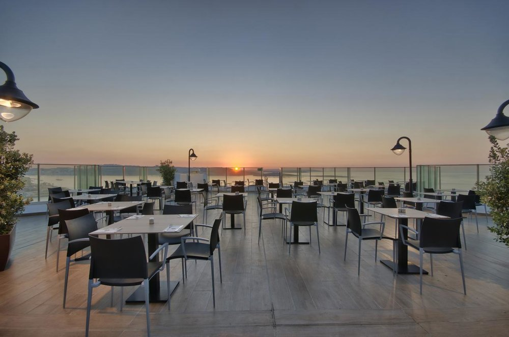 dbsanantonio_hotel_Q-Zins_Restaurant_1-min.jpg