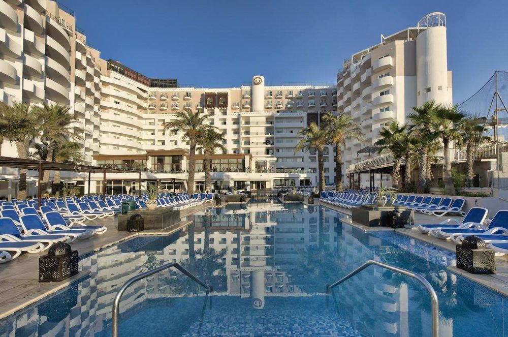 dbsanantonio_hotel_outdoor_pool_Malta_02-min[2].jpg